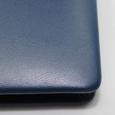 Signature Folder made of Smooth Full Grain Leather in Blue - Vera Donna