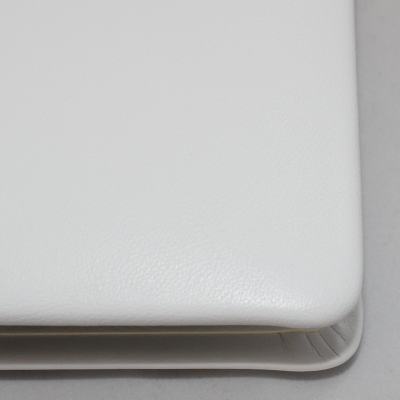 Signature Folder made of Smooth Full Grain Leather in White - Vera Donna